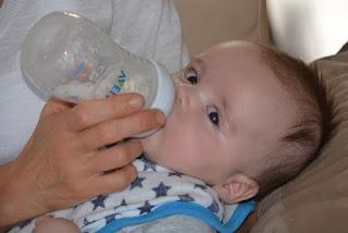 Kapan Sebaiknya Memberikan Susu Formula Untuk Bayi?