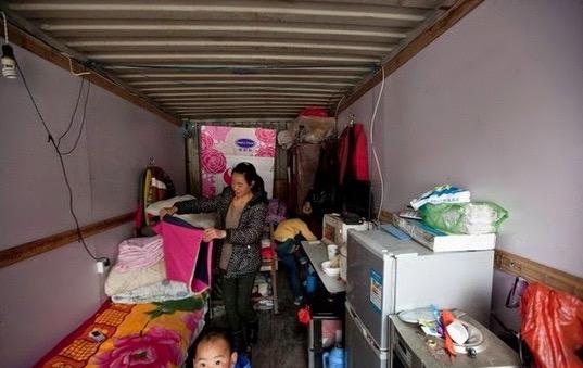 Perkampungan Rakyat Miskin di China Dari Kontena Lama