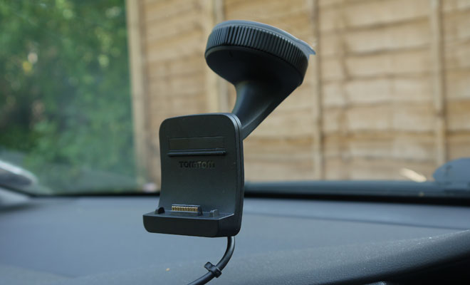 TomTom Go 500 screen mounting
