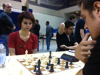 Echecs à Paris - Open A ronde 2 - Nino Maisuradze (2268) l'emporte face à Simon Lepot (2037) © Chess & Strategy