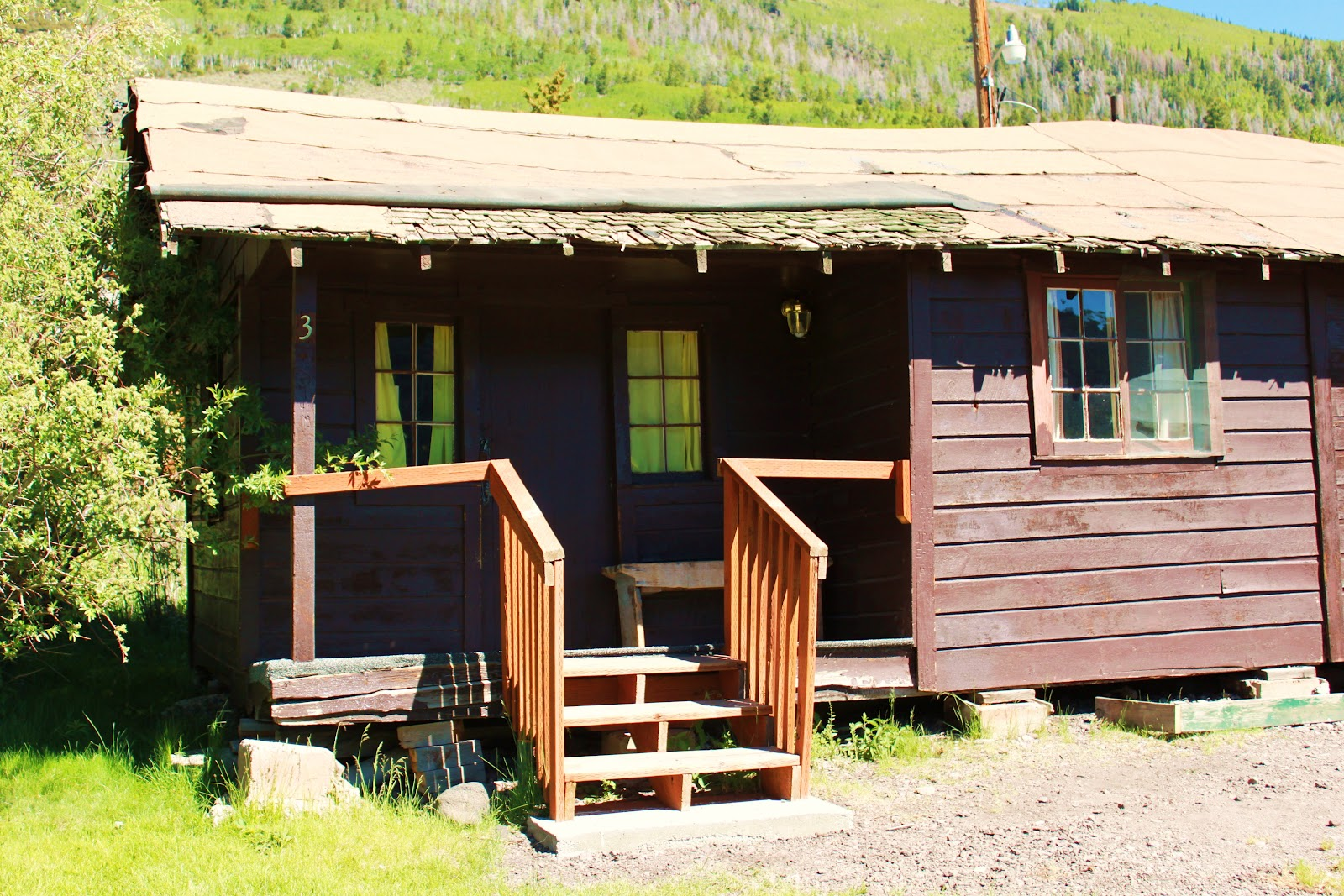 Rental cabins at fish lake utah rustic 6 person camping for Rustic lodge