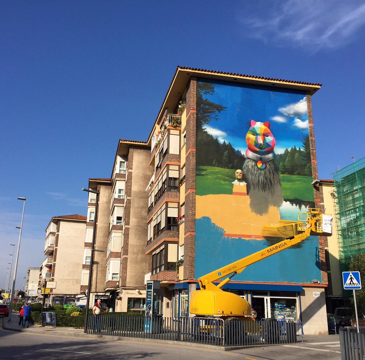 Okuda serzo collaborate on a large mural in santander - Be up santander ...