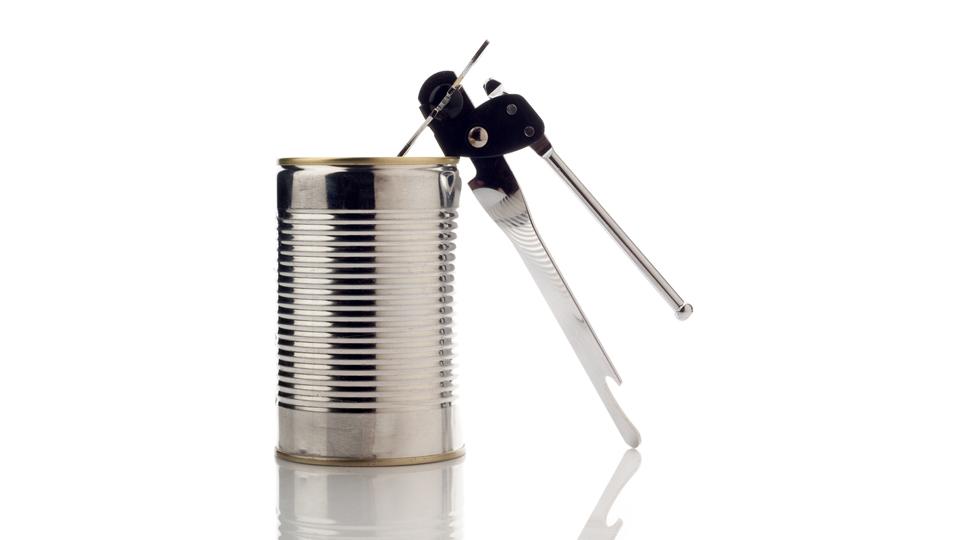 Comment Ouvrir Une Boite De Conserve Sans Ouvre Boite comment ouvrir une boîte de conserve sans ouvre-boîte ? - vite une