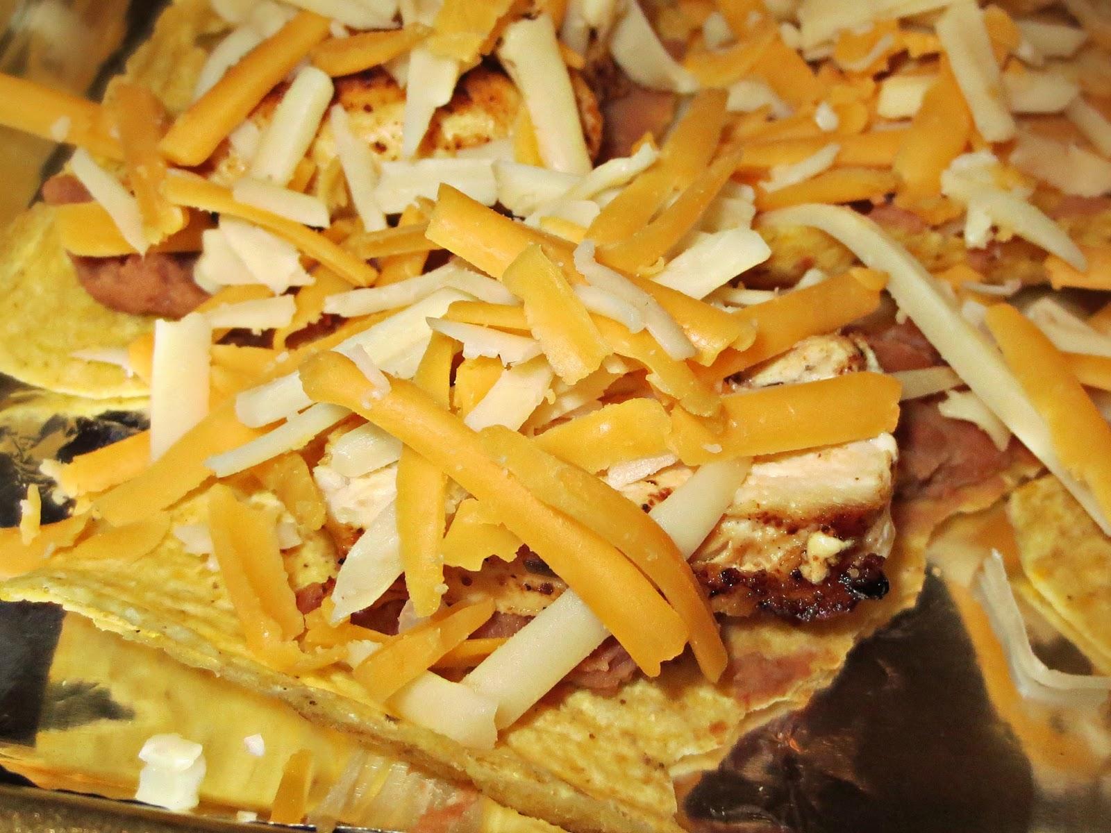 Kaitlin in the Kitchen: Restaurant Style Chicken Nachos