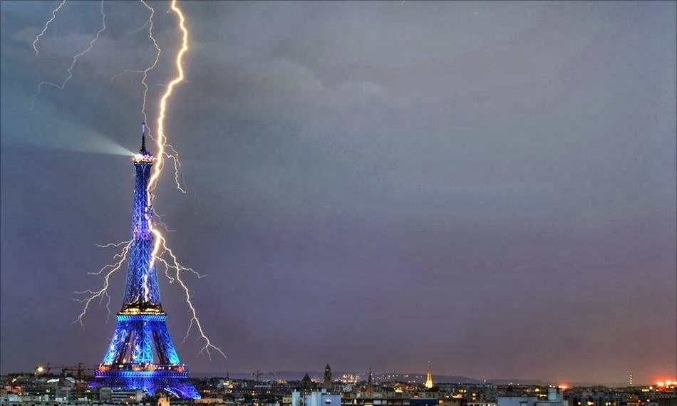 Eiffel Tower, Paris - 7 Epic Displays Of Lightning