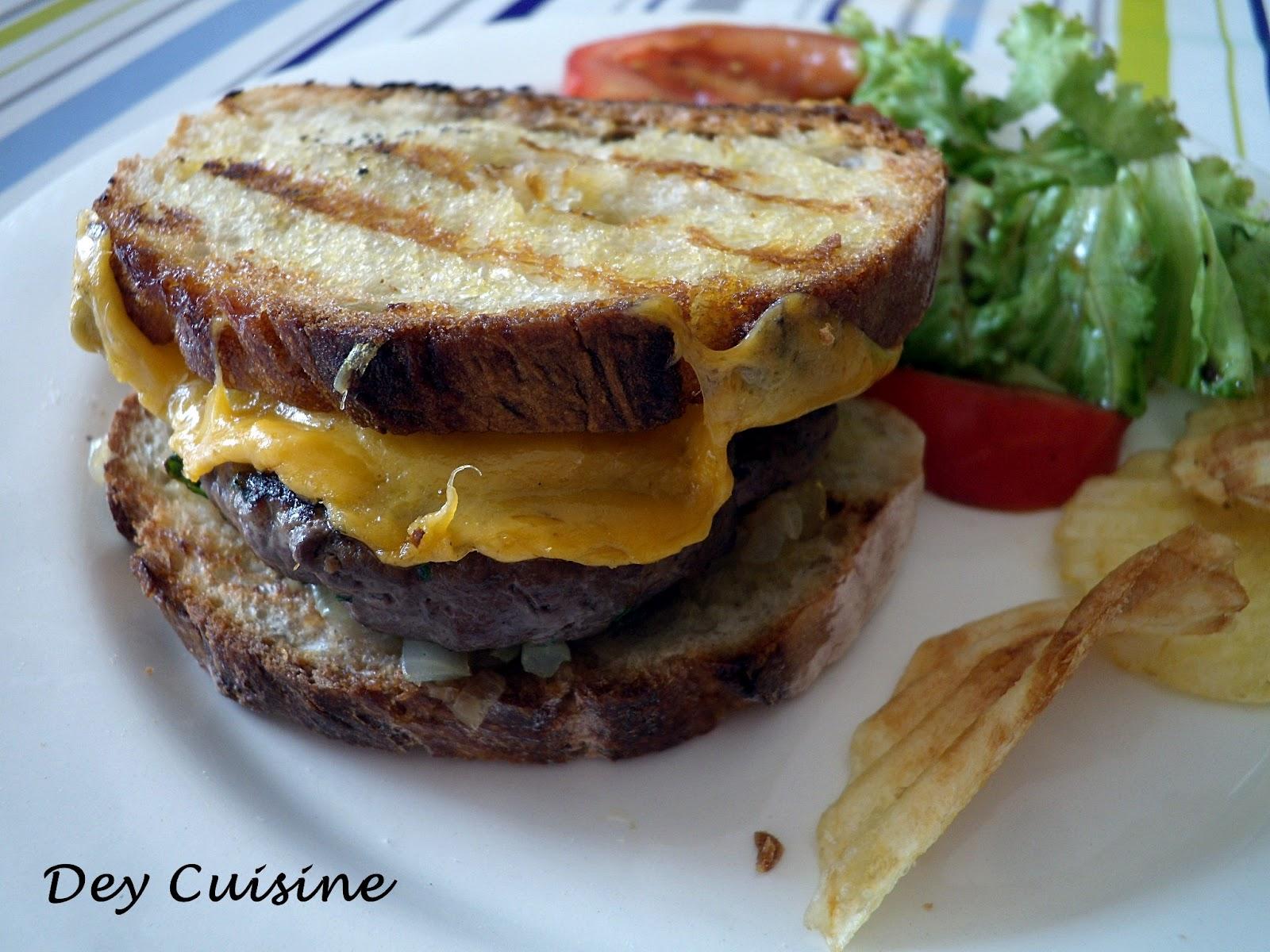 dey cuisine hamburgers sur pain toast au bbq. Black Bedroom Furniture Sets. Home Design Ideas