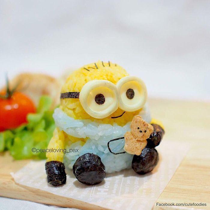07-Bob-Minion-Rice-Ball-Nawaporn-Pax-Piewpun-aka-Peaceloving-Pax-Food-Art-Inspiration-for-your-Bento-Box