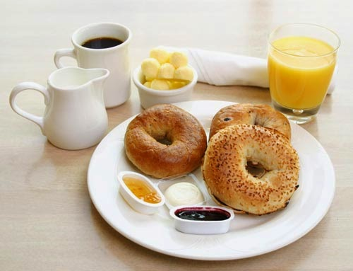 Không nên nhịn ăn sáng