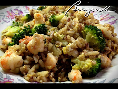 Cooking Fried Rice with Broccoli and Shrimps