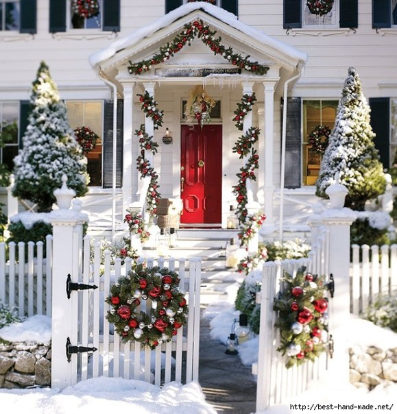 Christmas outdoor decorating ideas home decorating ideas Pictures of houses decorated for christmas outside