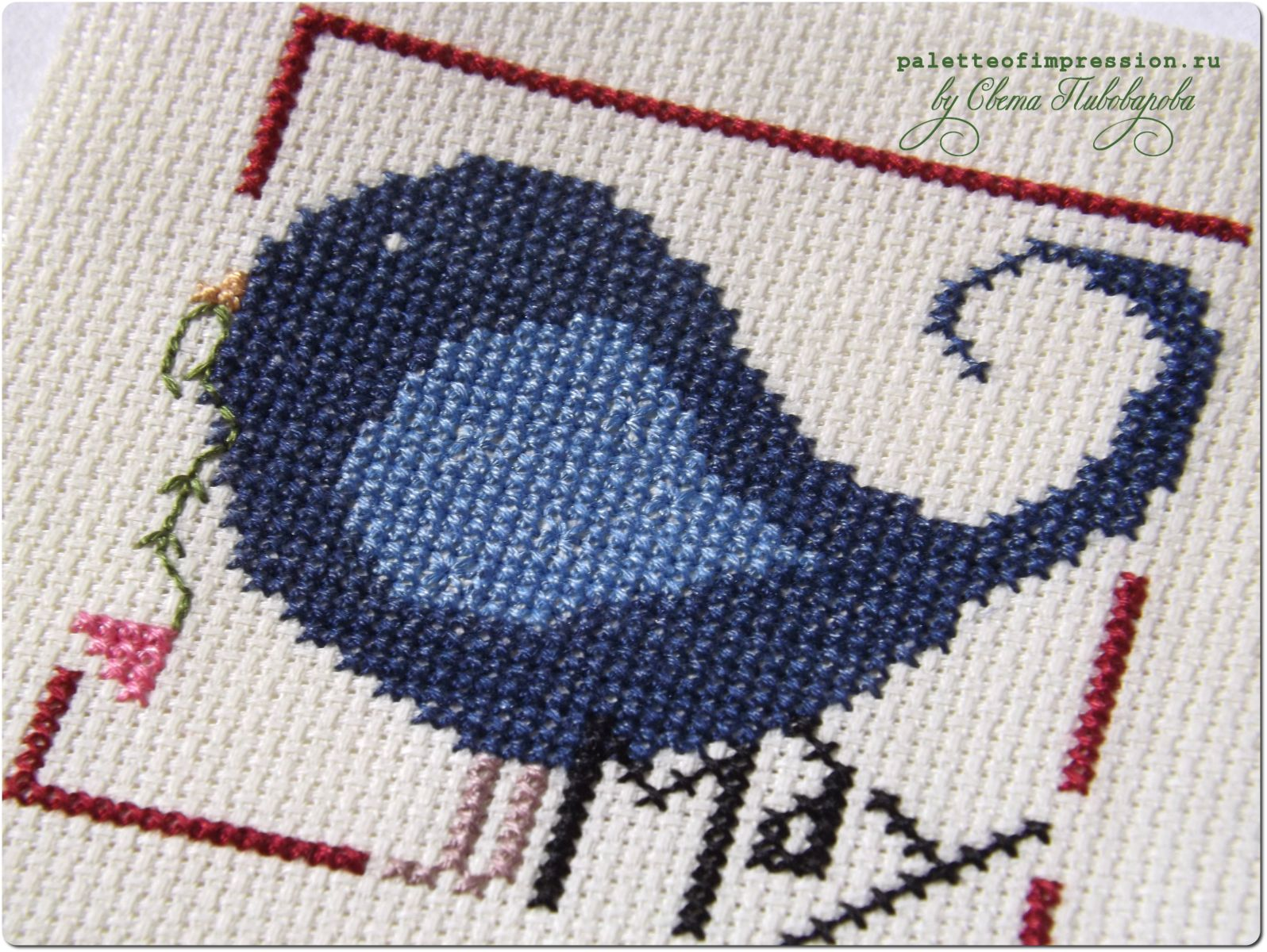 Вышитый календарь. Вышивка крестом. Май. Синяя птица