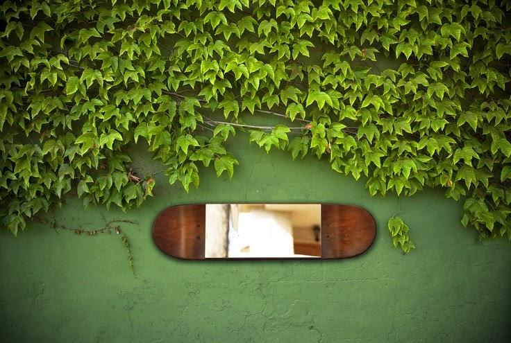 espejo hecho con tabla de skateboard