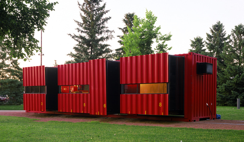 01-LOT-EK-Architectural-Shipping-Container-Mobile-Dwelling-Unit-www-designstack-co