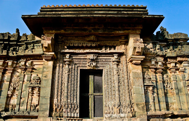Another view of the south door of Kashivishwanatha temple