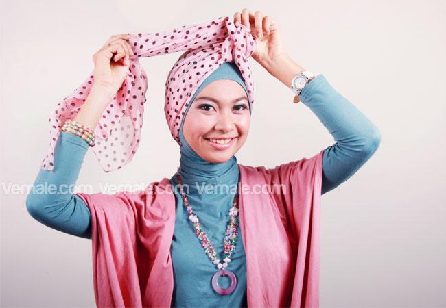 turban salah satu pilihan hijaber dengan pashmina sifon motif polkadot ...