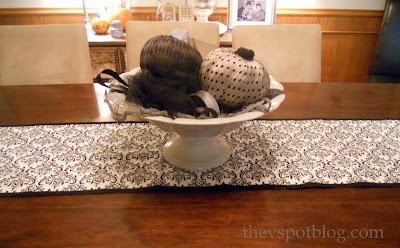 make a no sew Halloween table runner