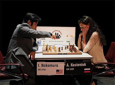 Echecs à Genève : Nakamura Hikaru 2-0 Kosteniuk Alexandra
