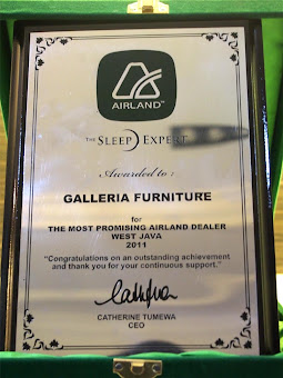 "Penghargaan dari Airland untuk Galleria Furniture :""The Most Promising Airland Dealer in West Java"""