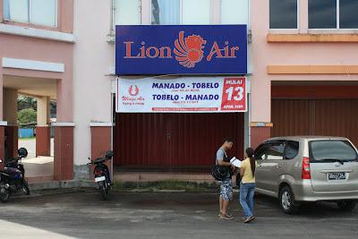 Money exchange in Manado & Lion Air Ticket Booking for Makassar