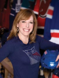Linda Cohn Swimsuit Sports Center http://steelyankee.blogspot.com/2011/04/linda-cohn-plays-captain-obvious-for-us.html