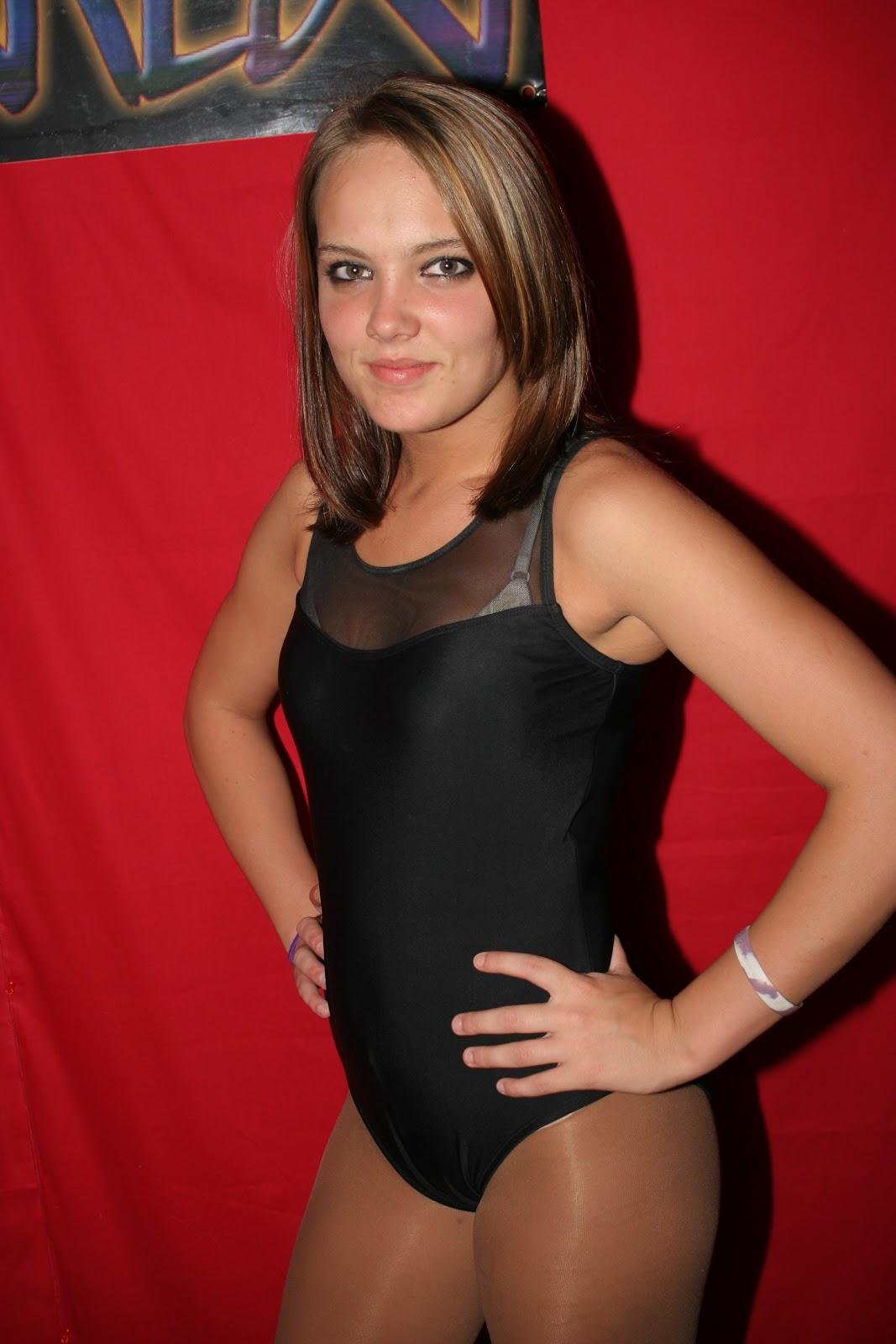 Wrestling News Center: A gigantic Magnificent Ladies Wrestling ...