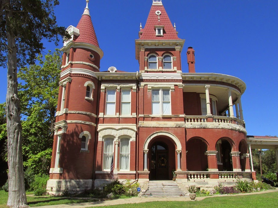 historic houses gonzales texas: width=