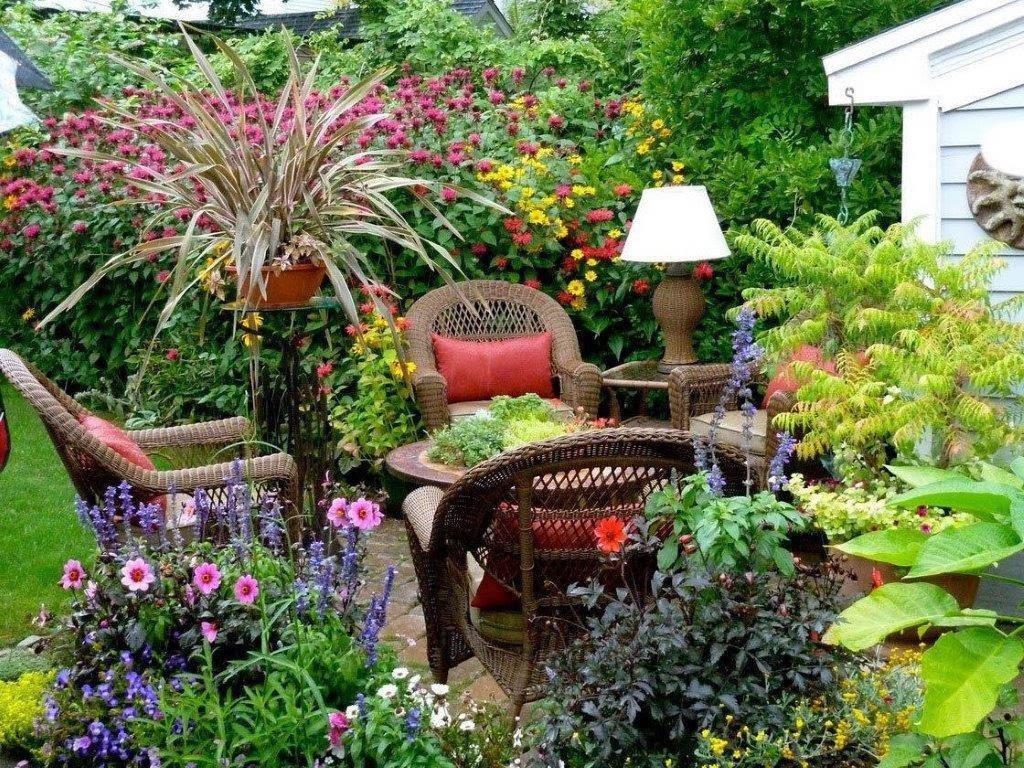 Jardin con flores patios y jardines - Fotos de jardines decorados ...