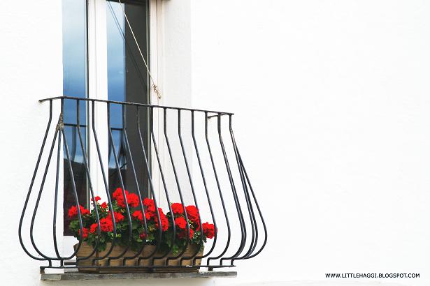 balcon flores cadaques