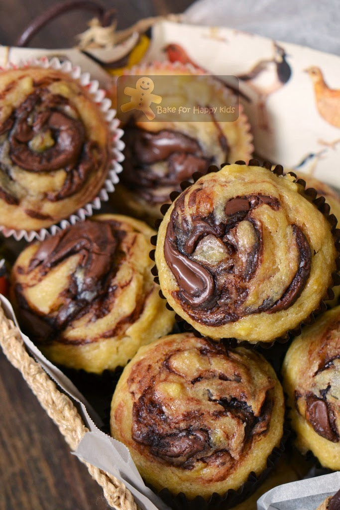 easy moist best basic banana muffins nutella swirl
