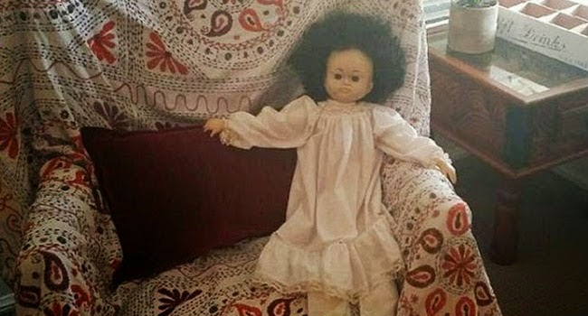 Boneka ini Dibuang Namun Tetap Pulang Sendiri