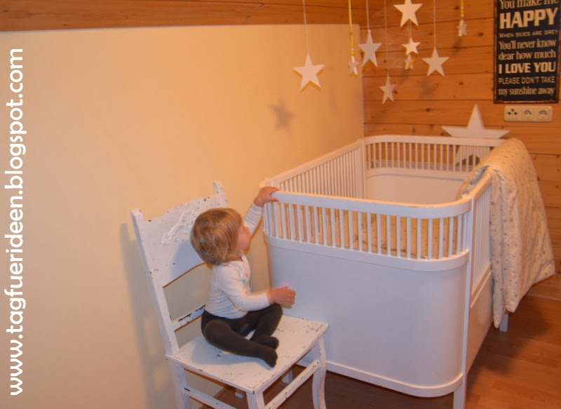 sternenhimmel aus alter weihnachtsdeko tag f r ideen. Black Bedroom Furniture Sets. Home Design Ideas