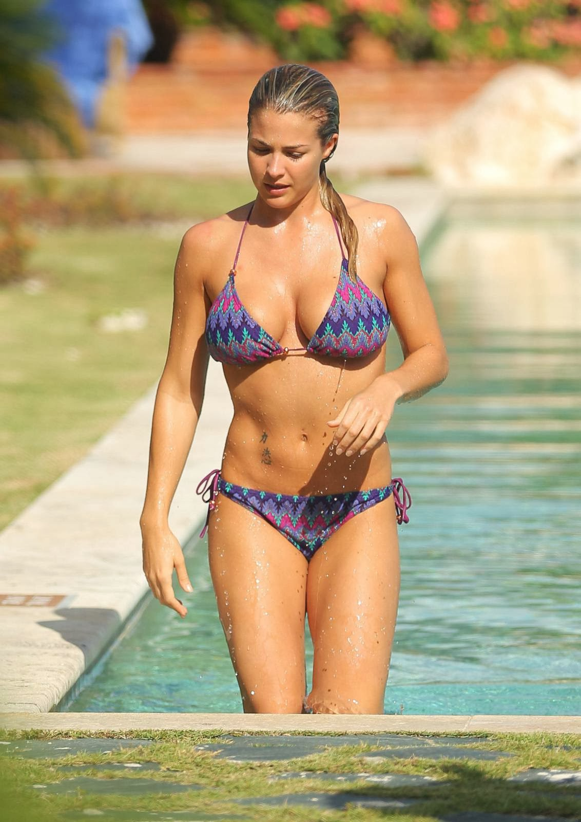Gemma atkinson bikini commit error