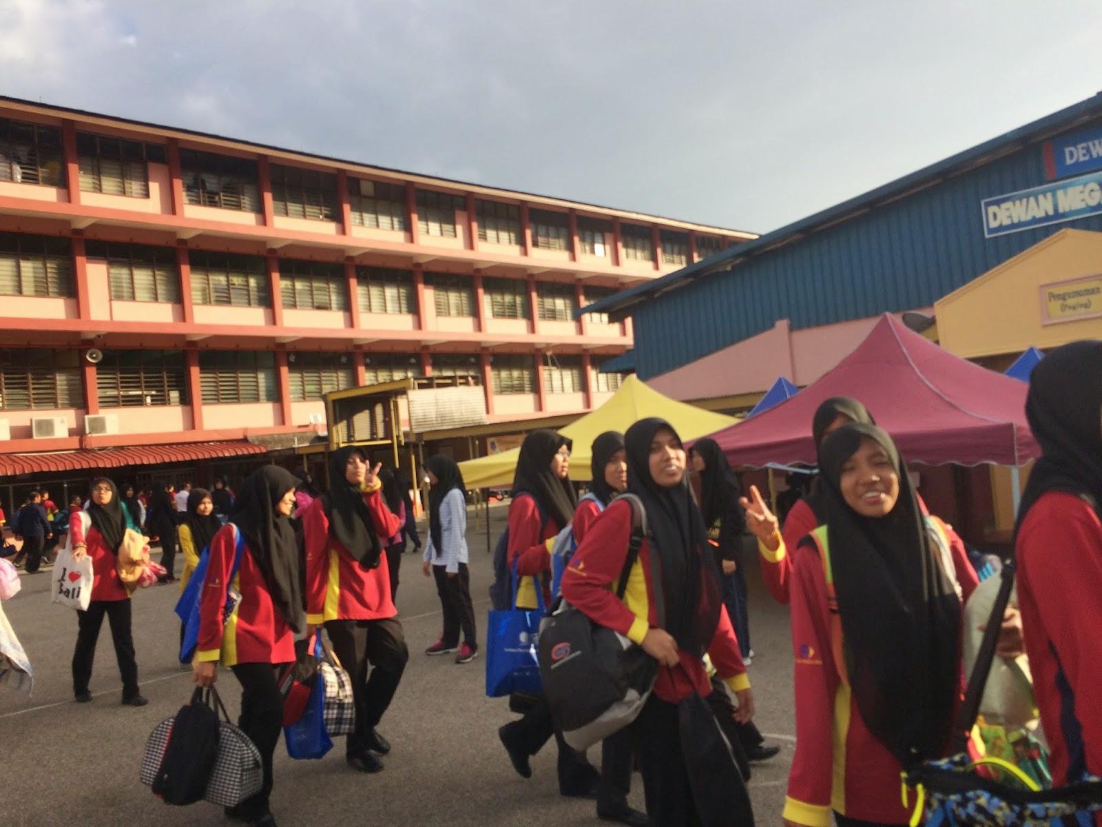 Guru Matematik Tambahan Sm Sains Teluk Intan Program Jalinan Semesti Dengan Mozac 2015