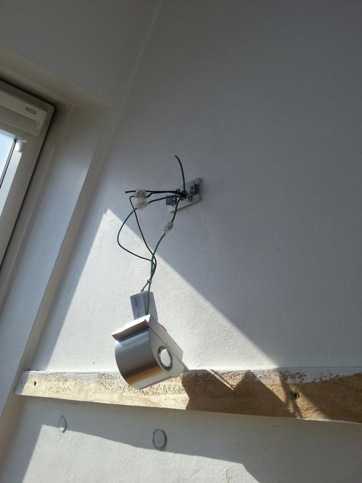 mopsis baublog zweite treppenlampe brennt auch. Black Bedroom Furniture Sets. Home Design Ideas