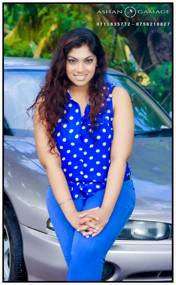 Raini Goonathilaka tight jeans