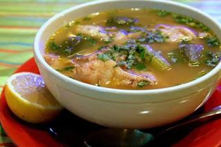 Caldo De Gallina Salvadorena A esta sopa es usual el que se