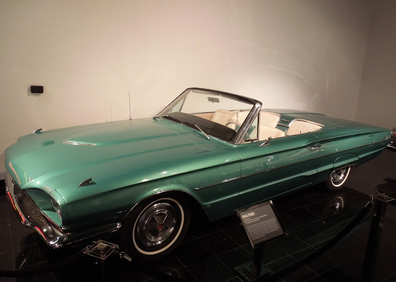 Thelma & Louise 1966 Ford Thunderbird Convertible