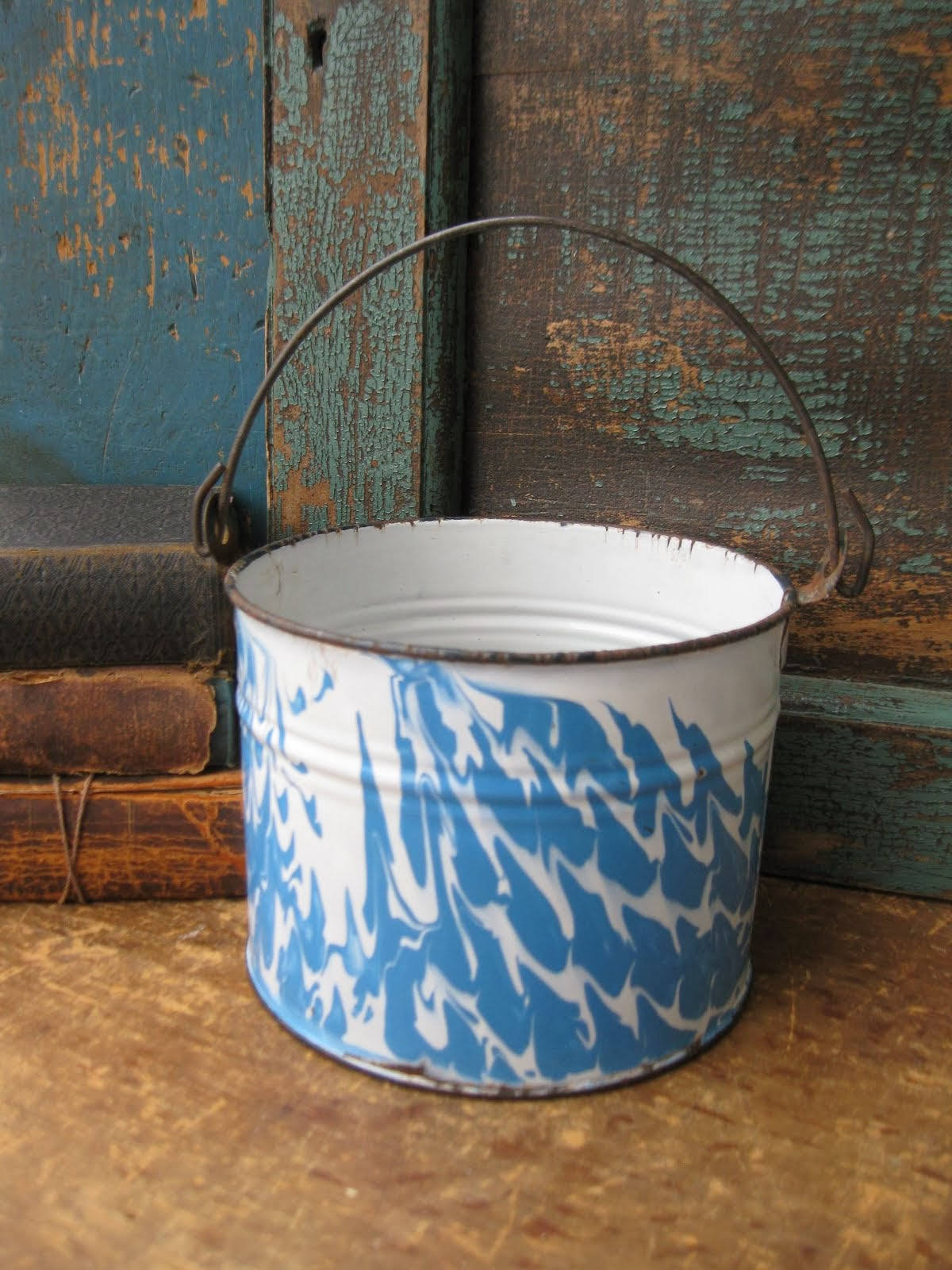 Graniteware Berry Pail