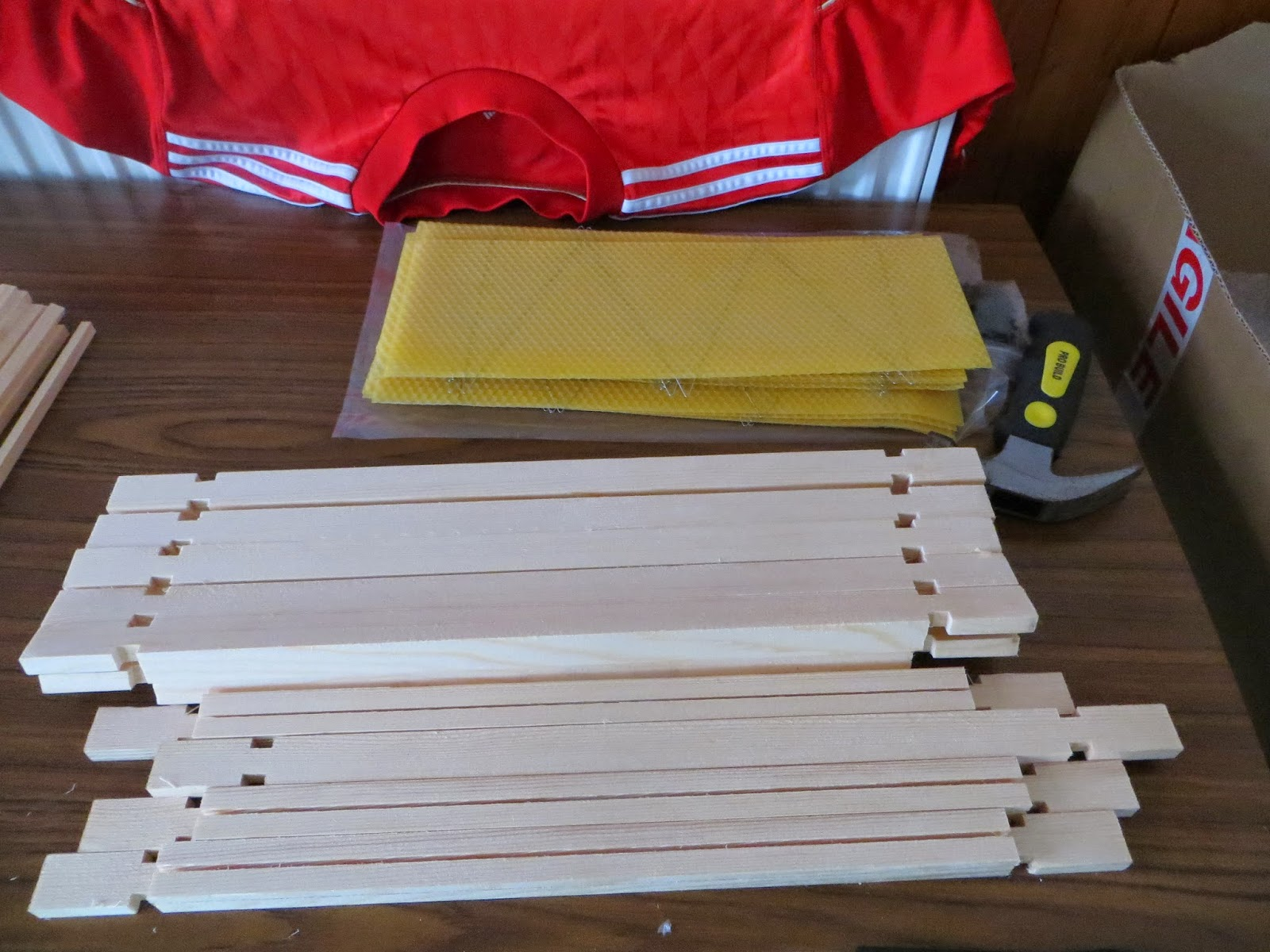 beehive frame materials