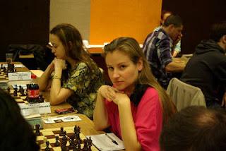 L'Ukrainienne Svetlana Cherednichenko (2279) et la Bulgare Antoaneta Stefanova (2531) au second plan © site officiel