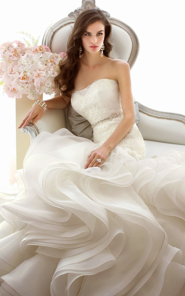 Essense Strapless Lace Wedding Dress