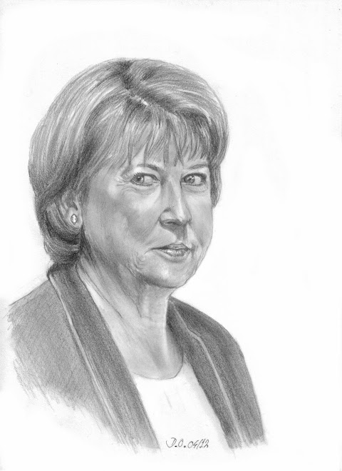Elle regarde à droite (2012)