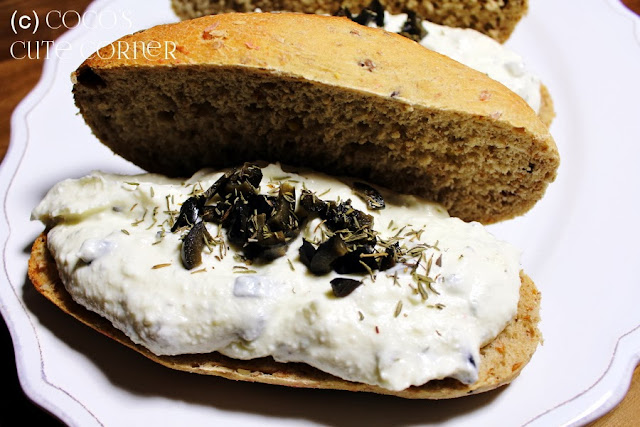 Sandwich with Fetacream and Olives
