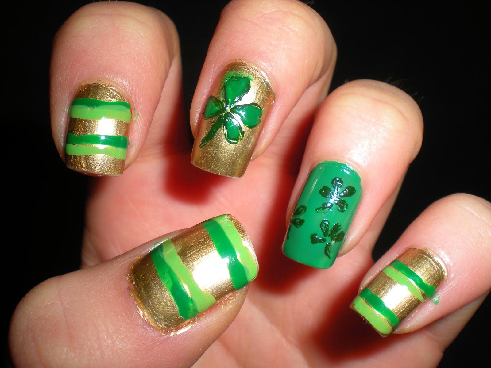 Metallic Maria: Lucky nails