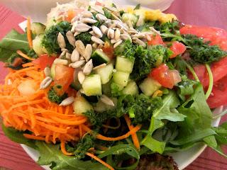 http://4.bp.blogspot.com/-jQcPlUZpT7Q/TmJjFBWBxaI/AAAAAAAAAgI/Yzm3Vi1yj4c/s1600/salad+at+organic.JPG