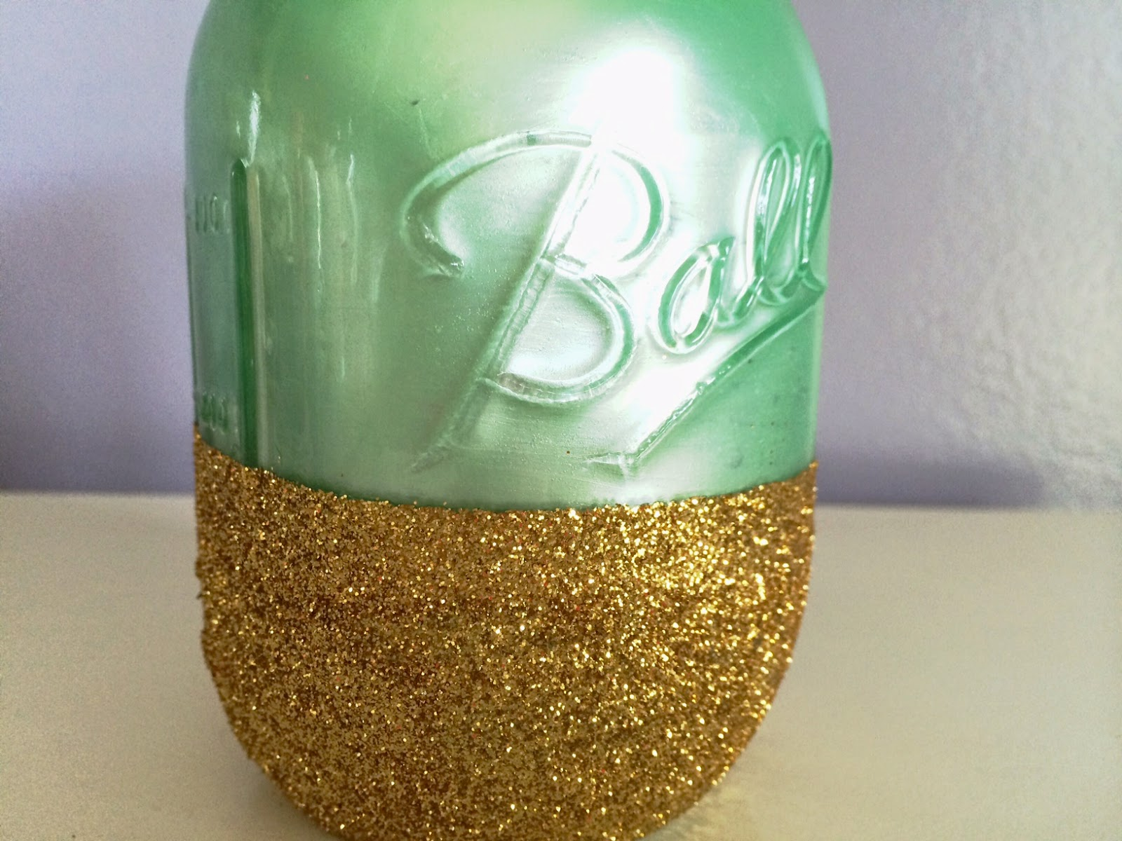 do it yourself glitter and paint mason jar