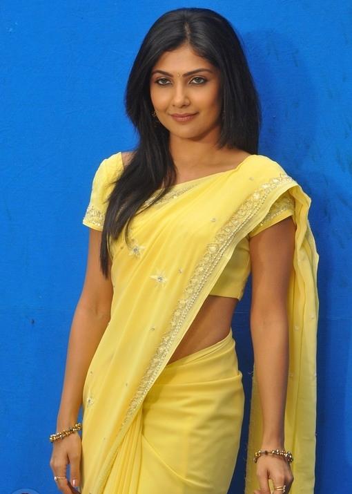 Kamalinee Mukherjee Hot Pics