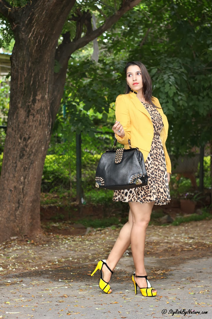 How to wear leopard print outfit
