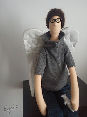 Krysia to uszyła - anioł stróż tilda z misiem i w okularkach