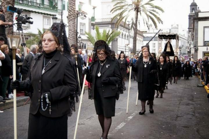 http://multimedia.laprovincia.es/fotos/las-palmas-de-gran-canaria/procesion-magna-20115_31.shtml